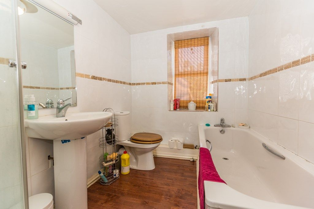 Property Details For Normandy House 35 Glategny Esplanade St Peter Port Guernsey Gy1 2bp Zoopla