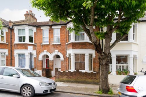 Property details for 13 Steerforth Street London SW18 4HH