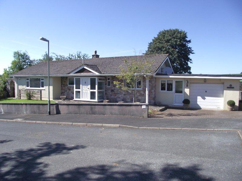 Property De S For 5 Church Park Close Diptford Totnes Tq9 7ph Zoopla