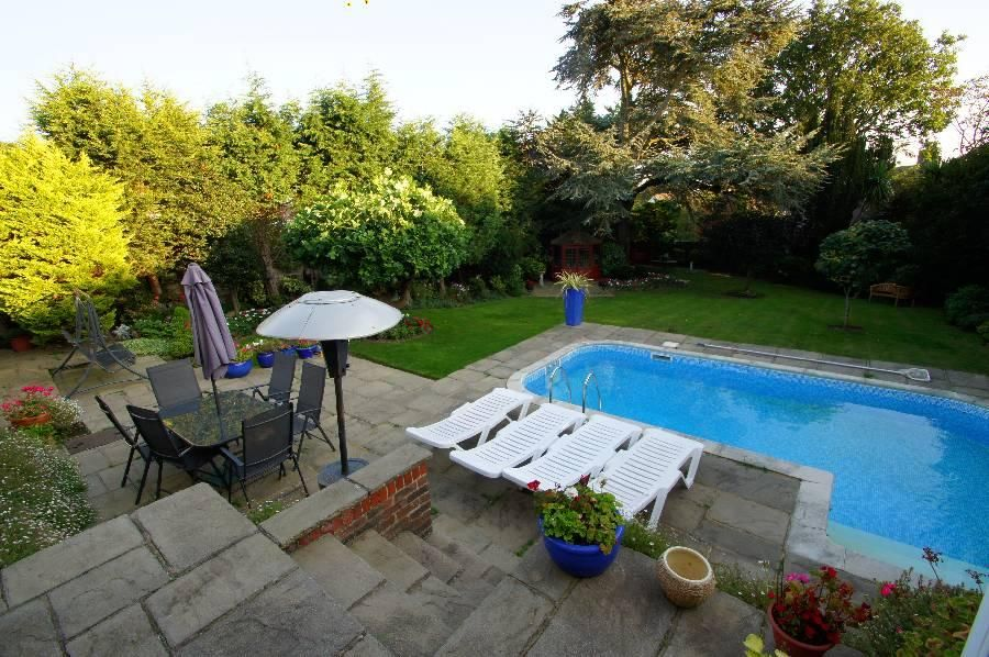 Property details for 11 Broadview Gardens Worthing BN13 3DZ - Zoopla