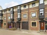 Thumbnail to rent in Barnfield Place, Canary Wharf