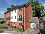 Thumbnail to rent in Delrogue Road, Crawley