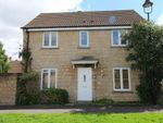 Thumbnail to rent in Isis Close, Calne