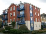 Thumbnail to rent in 2 Bed Flat, Appplecross Close, The Esplanade, Rochester