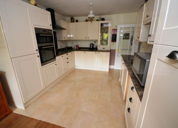 4 bed property for sale in Rothesay Avenue, Chelmsford CM2