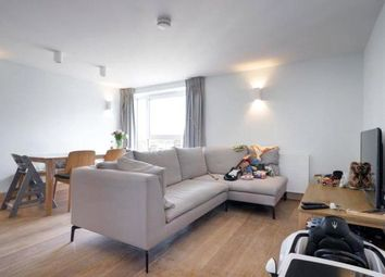 2 bed flat to rent in Addison Road, Holland Park, Kensington & Chelsea W14