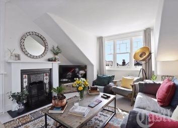 Albany Road, London N4. 2 bed flat