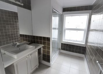 Thumbnail 3 bed flat to rent in Cranbourne Street, Brighton