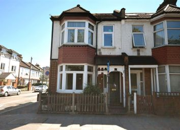 Thumbnail 3 bed property for sale in Approach Road, London
