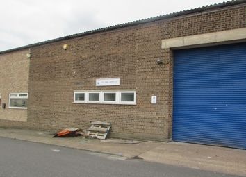 Thumbnail Commercial property to let in Kingsway Industrial Estate, Luton