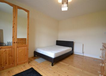Room to rent in Park View, Acton W3
