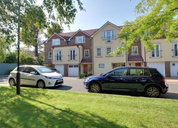Wyndhurst Close, South Croydon CR2. 4 bed terraced house