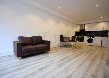 Thumbnail 1 bed flat to rent in Market Place, Wokingham