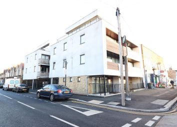 Thumbnail 2 bed flat to rent in Field Road, London