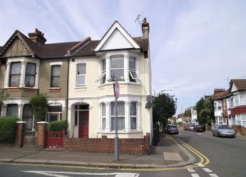 Thumbnail 1 bedroom flat to rent in Westcliff Park Drive, Westcliff-On-Sea