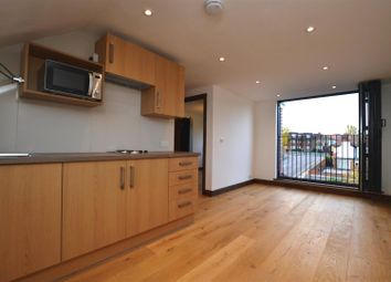 Thumbnail 1 bed flat to rent in Park Road, Hendon