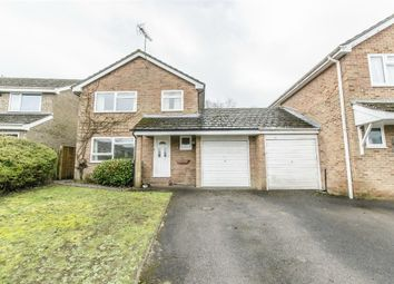 4 bed detached house to rent in Longfield Road, Fair Oak, Eastleigh, Hampshire SO50