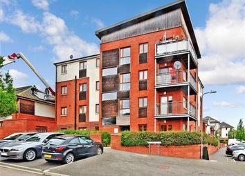 Hawkins Avenue, Gravesend, Kent DA12. 2 bed flat