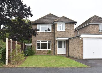 Thumbnail 3 bed detached house for sale in Droxford Crescent, Tadley, Hampshire