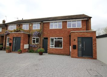 Thumbnail 4 bedroom property for sale in Kenilworth Close, Borehamwood, Hertfordshire