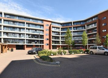 Thumbnail 2 bed flat for sale in Chatham House, Newbury