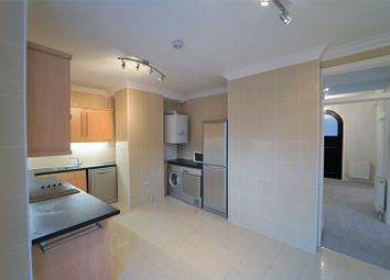 Thumbnail 4 bed flat to rent in Moscow Road, London