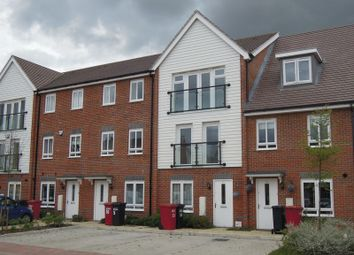 Thumbnail 4 bedroom town house to rent in Chadwick Road, Slough