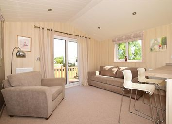 2 bed mobile/park home for sale in Dodnor Lane, Newport, Isle Of Wight PO30
