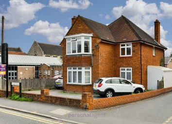 Thumbnail 3 bedroom flat to rent in Ashley Road, Epsom