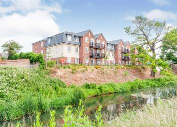 Thumbnail 2 bed flat for sale in Parkland Place, Shortmead Street, Biggleswade, Bedfordshire