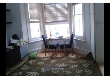 Thumbnail 2 bed flat to rent in Davisville Road, London