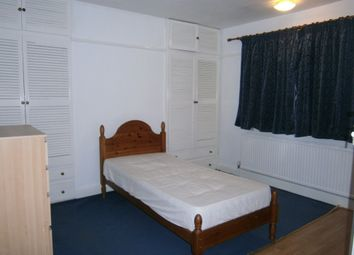 Thumbnail Room to rent in Great West Road, Isleworth