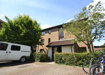 Thumbnail 2 bed flat for sale in Whitecroft, Horley