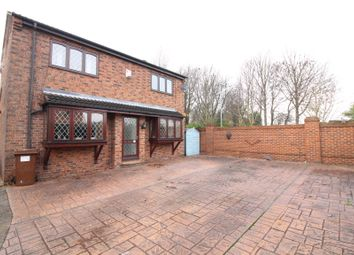 Thumbnail 4 bed detached house for sale in Greenfield Close, Kippax, Leeds