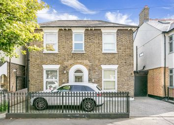 Thumbnail 5 bed flat to rent in Wilmot Road, London