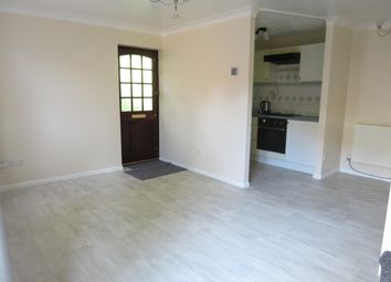 2 bed property to rent in Winnington Close, Northampton NN3