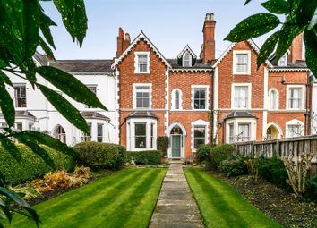 Thumbnail 6 bed town house for sale in Beauchamp Avenue, Leamington Spa, Warwickshire