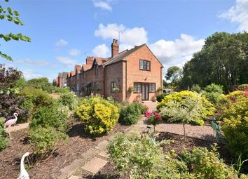 Thumbnail 3 bed cottage for sale in Upper Rea, Hempsted