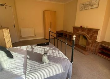 Thumbnail 5 bed shared accommodation to rent in High Street, Eastleigh