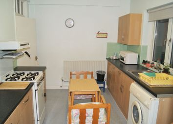 Thumbnail 1 bed flat to rent in Launcelot Road, Bromley