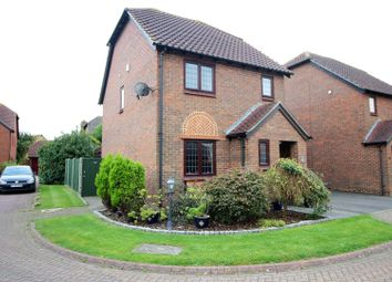 Thumbnail 3 bed detached house for sale in Wendover Close, Halling