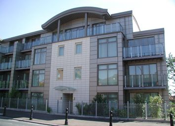 Thumbnail 2 bed flat to rent in Lower Queens Road, Buckhurst Hill