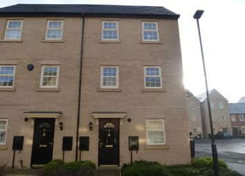 Thumbnail 2 bedroom town house to rent in Comelybank Drive, Mexborough