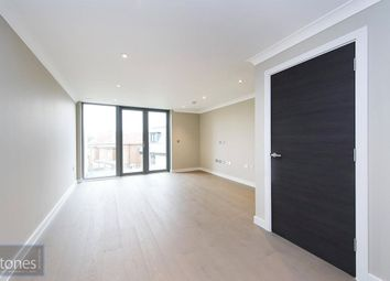 Thumbnail 2 bed flat to rent in Hope Close, London