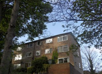Thumbnail Serviced flat to rent in Gledhow Wood Road, Leeds