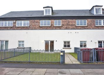 Thumbnail 5 bed terraced house for sale in Chandlers Lane, Dundee