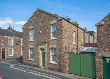 Thumbnail 3 bed terraced house for sale in Garden Street, York