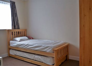 2 bed property to rent in Brocklesby Road, Littlemore, Oxford OX4