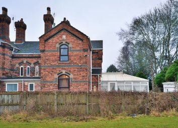 Thumbnail 3 bed cottage for sale in Great Northern Terrace, Lincoln