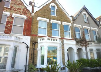 3 bed maisonette to rent in Myddleton Road, Bowes Park, London N22
